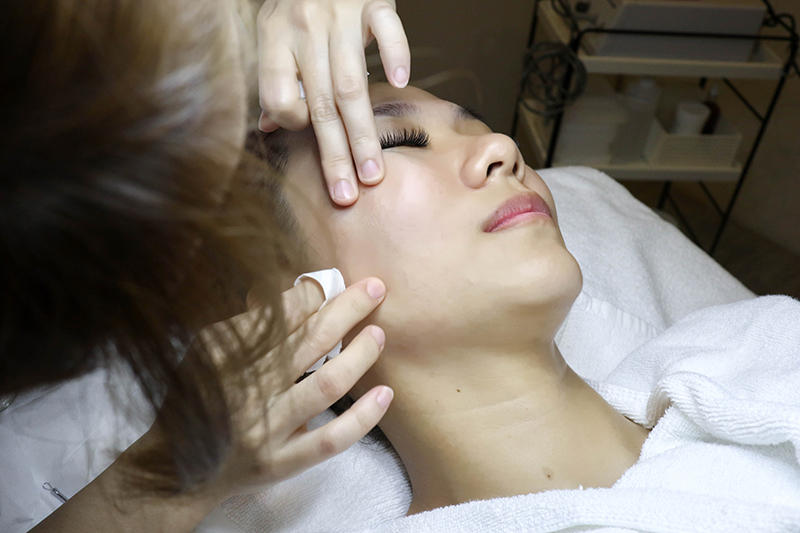If Your Face Is A Little Bloated Lately, This Is The Facial For You!