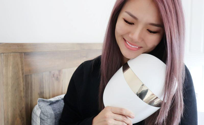 I tried the highly raved-about S$1,349 LG Pra.L Derma LED Mask